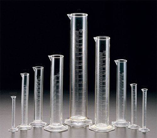 Graduated glass cylinder 500 ml